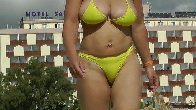 Big tits Italian bikini milf hidden cam
